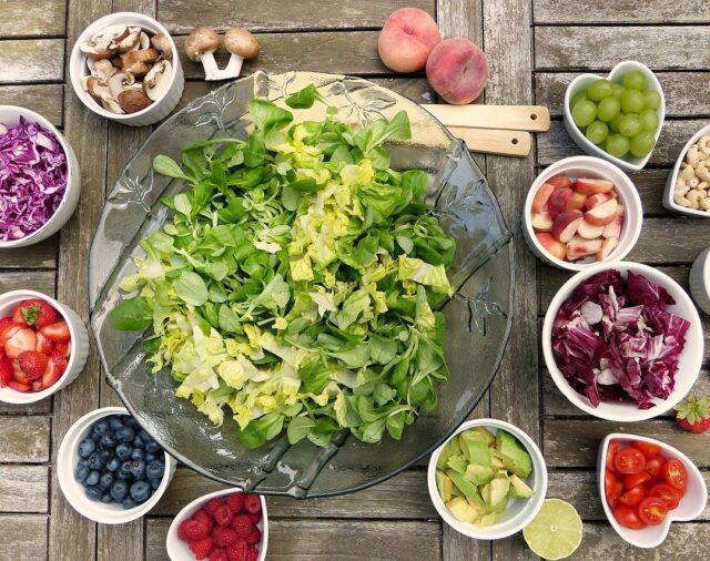 ¿Qué alimentos deberían formar parte de la dieta de pacientes con enfermedad inflamatoria y autoinmune?